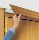 Демонтаж наличника дверного