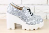 Женские кожаные туфли белые с черным
