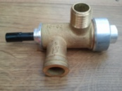 Электромагнитный клапан с кнопкой в сборе газовой колонки  АСТРА