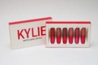 Набор жидких матовых помад Kylie Holiday Birthday Red Edition от Кайли Дженнер 6 штук