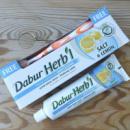 Зубная паста отбеливающая Dabur Herb'l соль и лимон 150 грамм + зубная щетка в подарок, ОАЭ