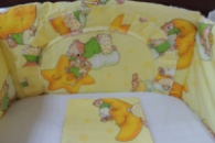 Комплект постельного белья в детскую кроватку 4 в 1 с защитой