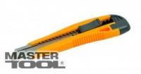 Нож 18 мм пластиковый с металлической направляющей кнопочный фиксатор + 2 лезвия MasterTool 17-0106