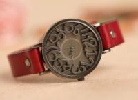 Женские кварцевые часы escape:'html'
