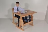 Стол и стул для школьника «Розумник» будут расти вместе с Вашим ребенком.