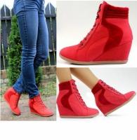 Женские ботинки красного цвета escape:'html'