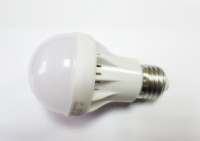 Светодиодная лампа 7W 12LED E27