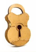 Подарочный деревянный сувенирный набор «Настенная Ключница Колодка» ручной работы|escape:'html'