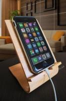 Стильная деревянная подставка для iPhone 6 и iPhone 6s|escape:'html'