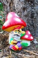 Садовая скульптура Гном под Грибами|escape:'html'