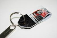 Брелок для ключей -Красная машинка-