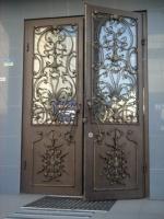 двери металлические под  стеклопакет и кованую накладку|escape:'html'
