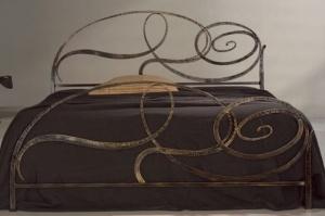 Кованая кровать «Тианна» с двумя спинками