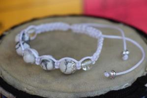Амулет Шамбала на основе натурального камня говлита - талисман для беременных. Красивый браслет в подарок на свадьбу!