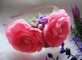 розовые розы с жасмином