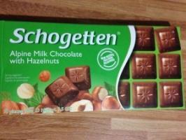 Молочный шоколад с фундуком Schogetten alpine milk chocolate with hazelnuts 100g
