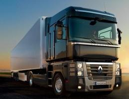 Лобовое стекло для грузовиков Renault Magnum в Днепропетровске