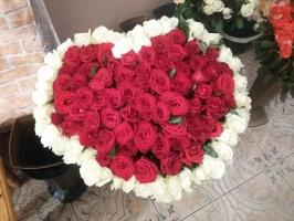 Серце 101 троянда