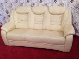 Большой кожаный мягкий диван с высокой спинкой производства Германии