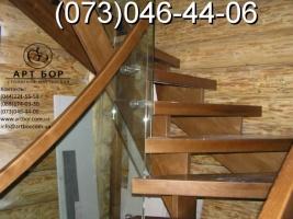 Комбинированные лестницы (стекло, нержавейка)