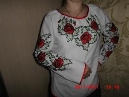 Вишита сорочка «Червоні маки»
