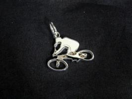 Подвеска-кулон Велосипедист. Серебро.