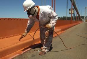 Окраска конструкций мостов