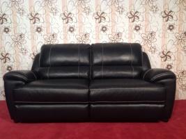 Большой кожаный комфортный диван Новый
