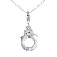 Небанальный подарок для влюбленных - серебряный кулон наручники.