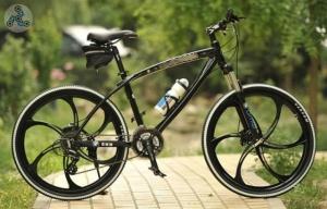 Элитный Велосипед BMW X1 Black на литых дисках