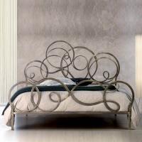 Кованая кровать «Блэнда».