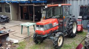 Японский мини-трактор с кабиной Kubota Gl320