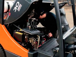 Выезд к заказчику для ремонта и обслуживания погрузчиков и спецтехники