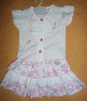Комплект для девочки на 1 год. ЦЕНА: 50 грн.