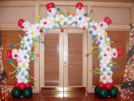 Новогодняя арка из шаров