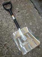 Лопата-совок для снега автомобильная Fiskar (141020)