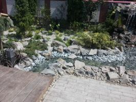 Декоративные ручьи, садовые фонтаны