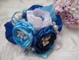 заколка сине-голубая композиция