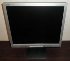 Монитор NEC LCD172VM c динамиками