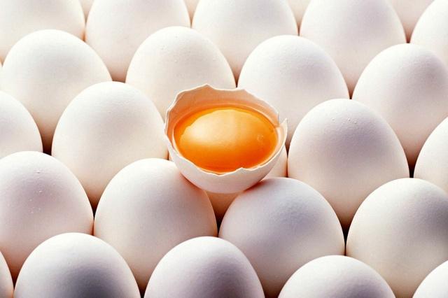 яйца куриные (белые)