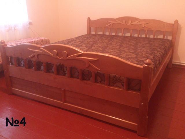 Кровать из масива