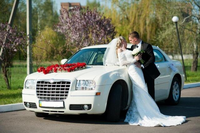 Белоснежный Крайслер 300 С на свадьбу в Харькове!