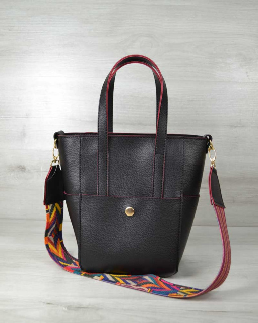 66a69f0f1673 Молодежная женская сумка Милана с Ярким ремнем черная с красными торцами