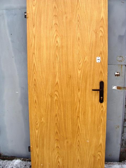 Двери входные из металла,пленка ПВХ+пленка ПВХ,ДВА два листа металла.