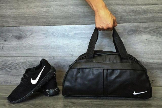 b587c3a8c20e00 Стильная и удобная фитнес-сумка Nike. Отличный вариант для похода в спортзал  или поездку. Подойдет как мужчинам так и женщинам. Цвет:.