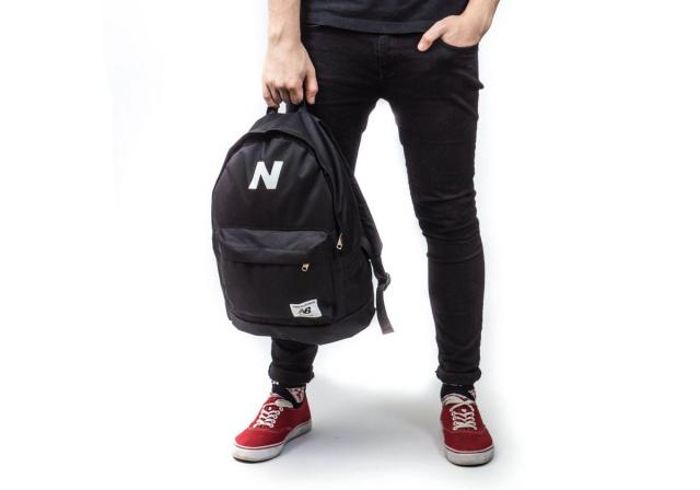 Молодежная модель рюкзаков Нью Бэланс, New Balance. Выполнен в черном  цвете. Отлично подойдет как парням так и девушкам. Широкие.. be78def0a6c