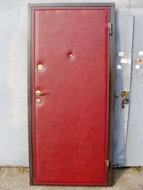 Двери входные из металла,Кож винил+Кож винил,один лист металла.