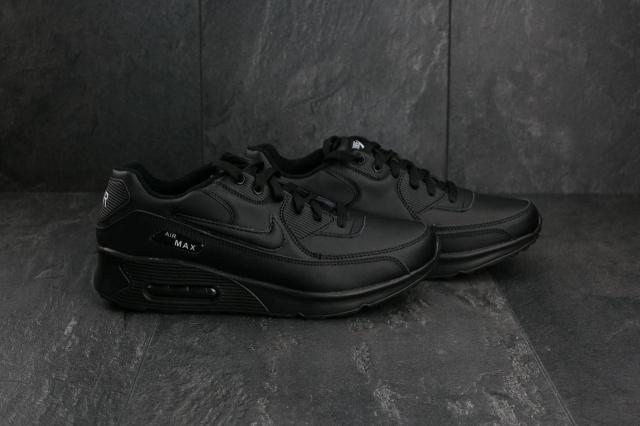 c82bbd3bf Мужские кроссовки. Обувь Nike Air Max подчеркивает классический дизайн  оригинального образца 1990 года. Легендарный каблук с воздухом, который.