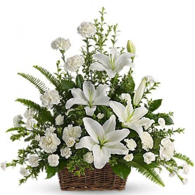 Корзина белых цветов