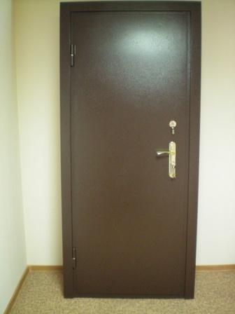Двери входные из металла.ПОРОШКОВАЯ ПОКРАСКА+КОЖ ВИНИЛ,ДВА ЛИСТА МЕТАЛЛА.